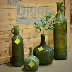 Green is naturally associated with nature and life. These green accent pieces, made with recycled glass, with bring a breath of fresh air to your décor.